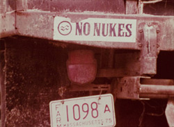 'No Nukes' sticker | HowardZinn.org